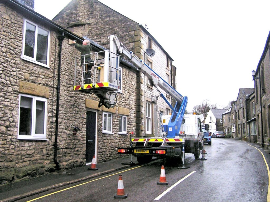 Erecting Swift boxes on High Street